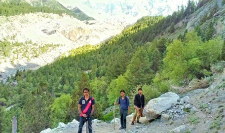 hiking to fairy meadows mountain top