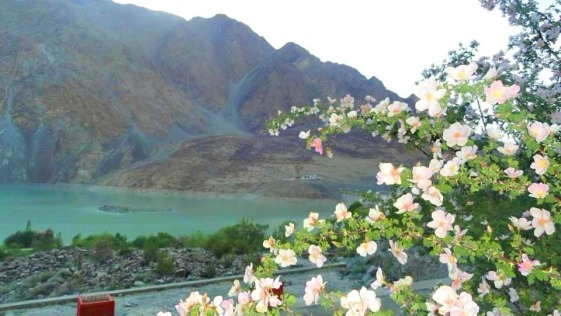 Khaplu Lake