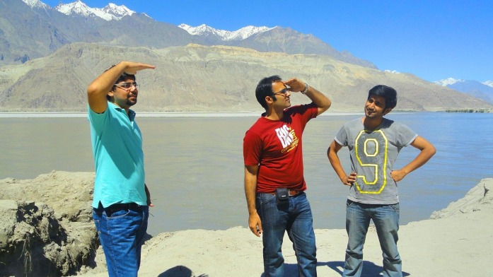 Striking some poses in front of Indus River - Skardu, Pakistan